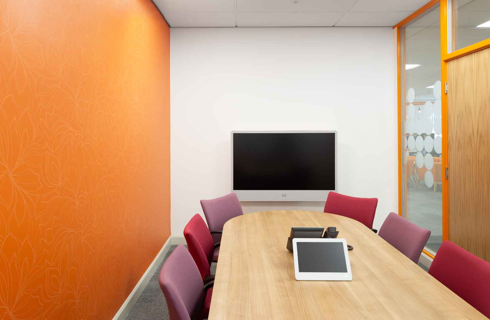 Gordons---Office-Fit-Out-Bradford-usable-meeting-space