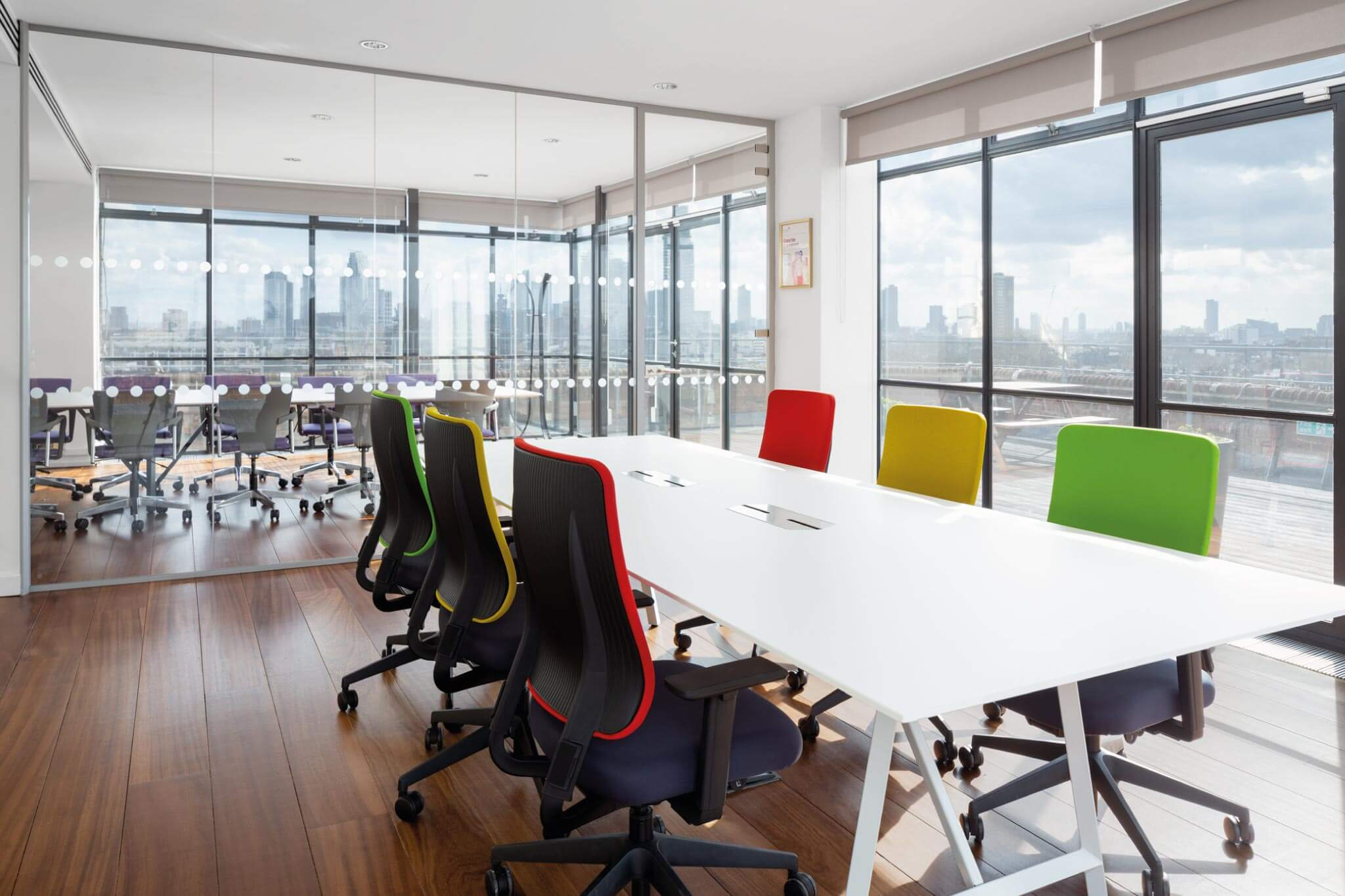 Servelec---London---Dale-Office-Interiors---Meeting-Room-2019
