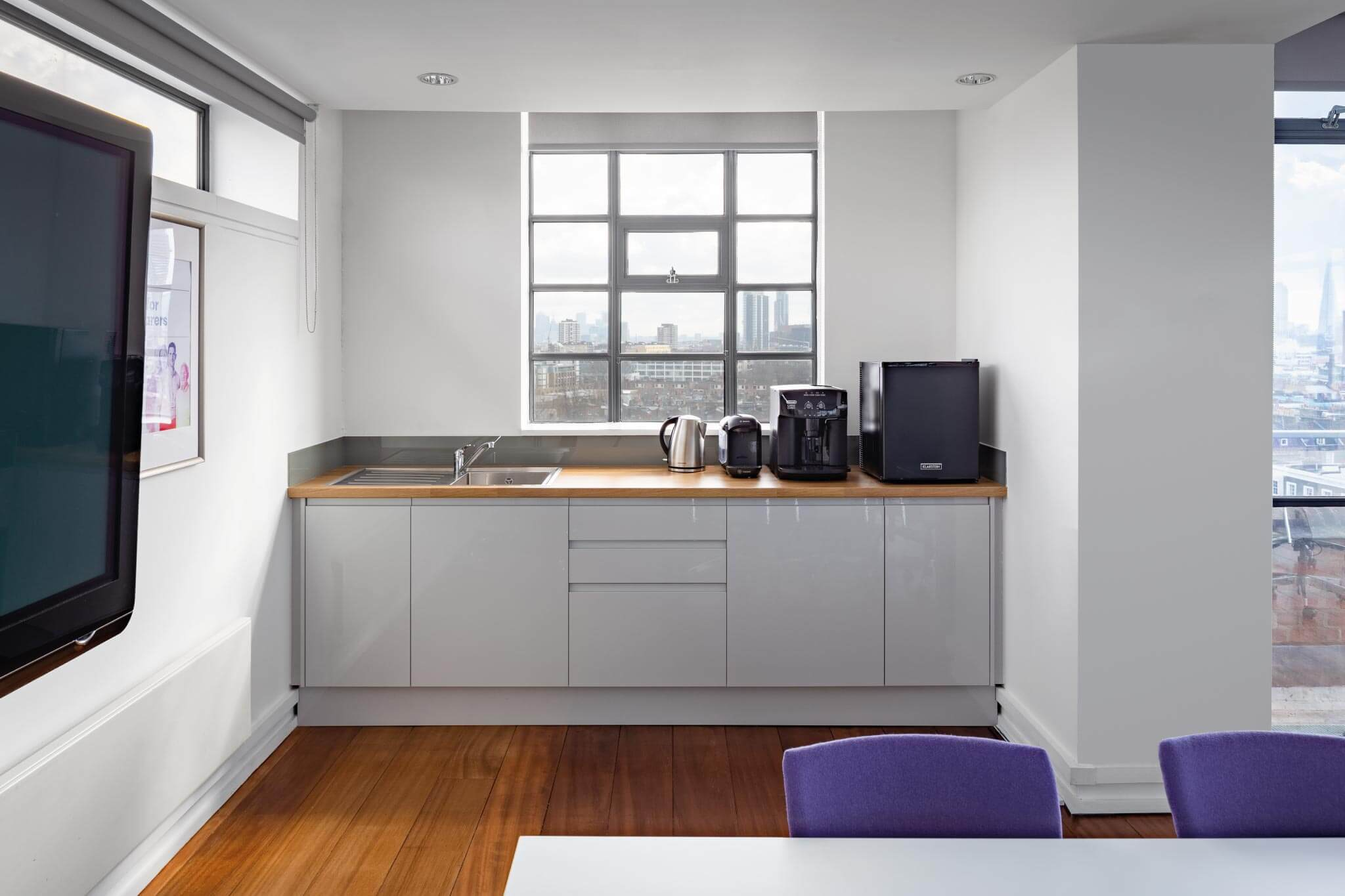 Servelec---London---Dale-Office-Interiors---Office-kitchen---2019